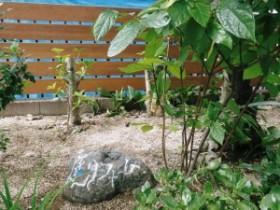 10万円以上の工事受注を頂いた方全員にもれなく記念石碑をプレゼント。