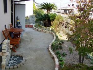 レンガ花壇のメルヘンチックな庭 廿日市市 M邸